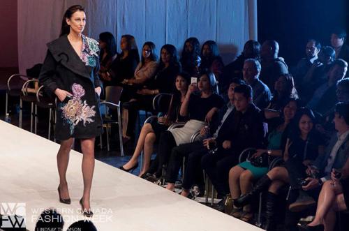 NTK mang tơ tằm Việt tới tuần lễ thời trang Canada - 4