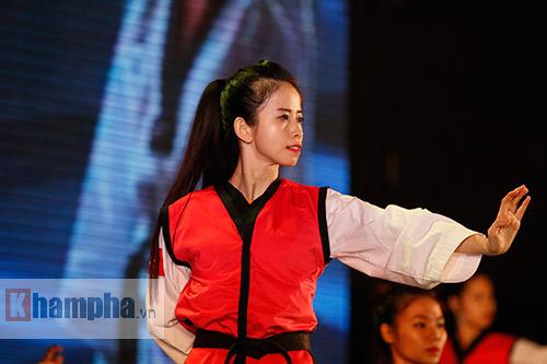 """""""Hot girl"""" Tuyết Vân tung hoành tại Liên hoan võ thuật - 1"""