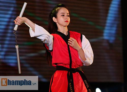 """""""Hot girl"""" Tuyết Vân tung hoành tại Liên hoan võ thuật - 3"""