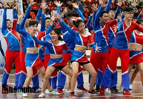 Nữ sinh khoe sắc ở giải thể thao sinh viên Việt Nam - 3