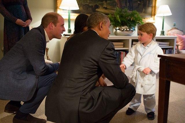 """Hoàng tử bé nước Anh mặc đồ ngủ """"tiếp"""" Tổng thống Obama - 1"""
