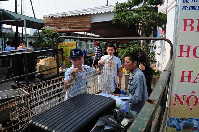 Ảnh: Tan hoang hội chợ container lần đầu tổ chức ở HN - 9