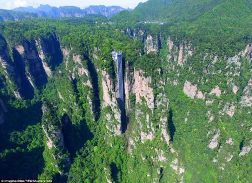 Cận cảnh thang máy đáng sợ nhất thế giới - 4