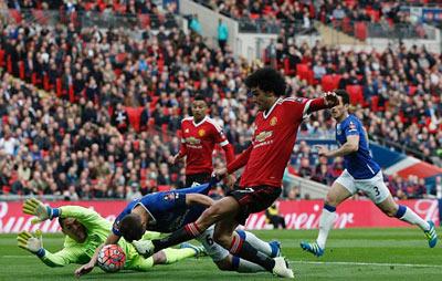 Chi tiết Everton - MU: Người hùng Martial (KT) - 10