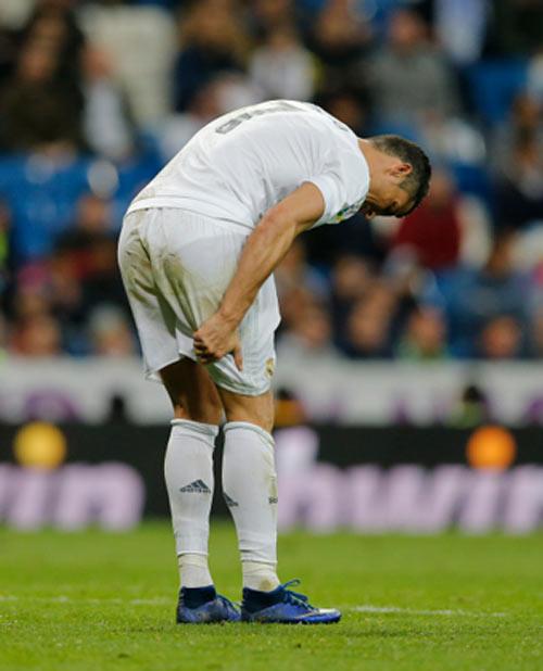 CR7 sẽ đấu Man City, nhưng Real dễ mất Benzema - 1