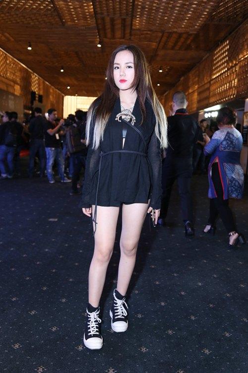 Fashionista Việt khoe cá tính thời trang độc đáo - 16