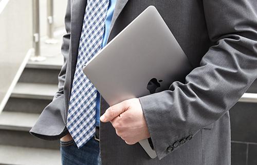 Tam tấu MacBook, MacBook Air và MacBook Pro đọ sức mạnh - 1