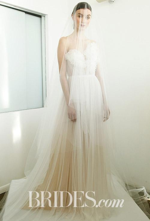 """Váy cưới đẹp tới mức """"phải nín thở"""" của Marchesa - 9"""