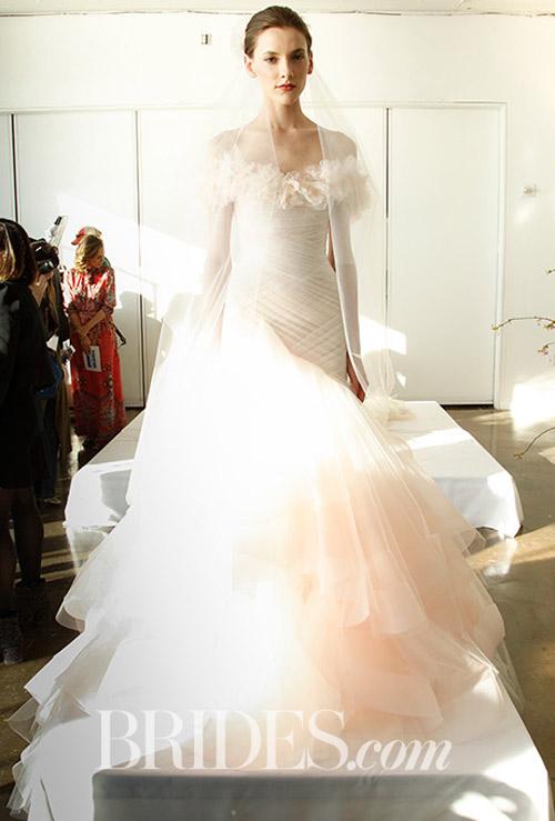 """Váy cưới đẹp tới mức """"phải nín thở"""" của Marchesa - 11"""