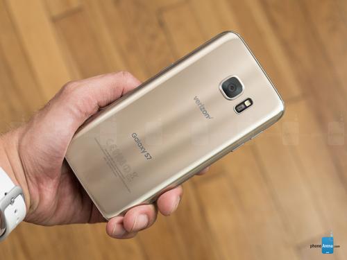 Top smartphone Android đáng mua nhất tháng 4 - 2