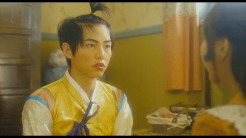 Hài hước hình ảnh Song Joong Ki trang điểm, buộc tóc - 1