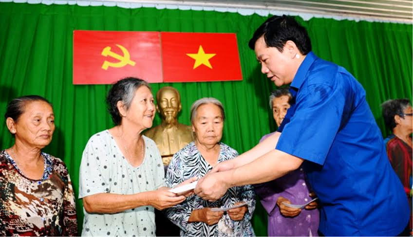 Ông Đinh La Thăng: Nông thôn cũ cũng được, miễn thoát nghèo - 1