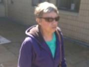 """Phi thường - kỳ quặc - Cụ ông 78 tuổi bị vợ đánh toác đầu vì lén xem phim """"đen"""""""