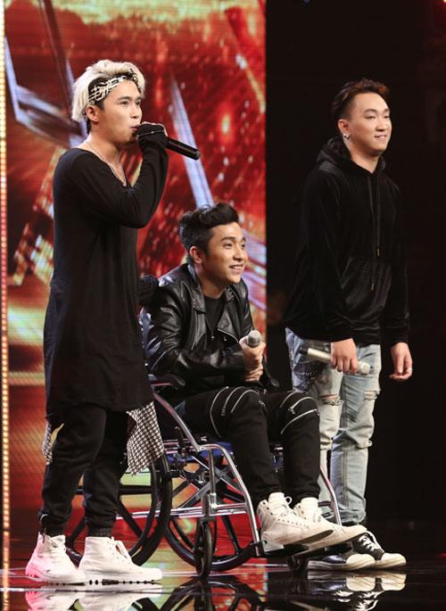 Yanbi bị gãy xương đùi vẫn diễn hết mình tại X-Factor - 3