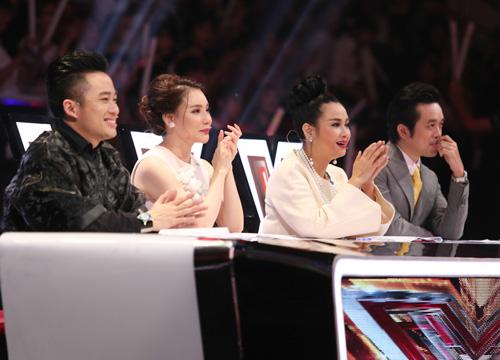 Giọng ca 16 tuổi khóc nức nở khi gặp lại mẹ tại X-Factor - 1