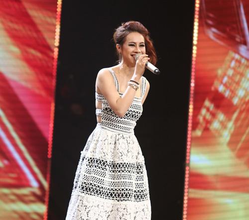 Giọng ca 16 tuổi khóc nức nở khi gặp lại mẹ tại X-Factor - 8