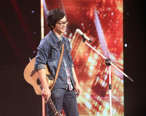Giọng ca 16 tuổi khóc nức nở khi gặp lại mẹ tại X-Factor - 10