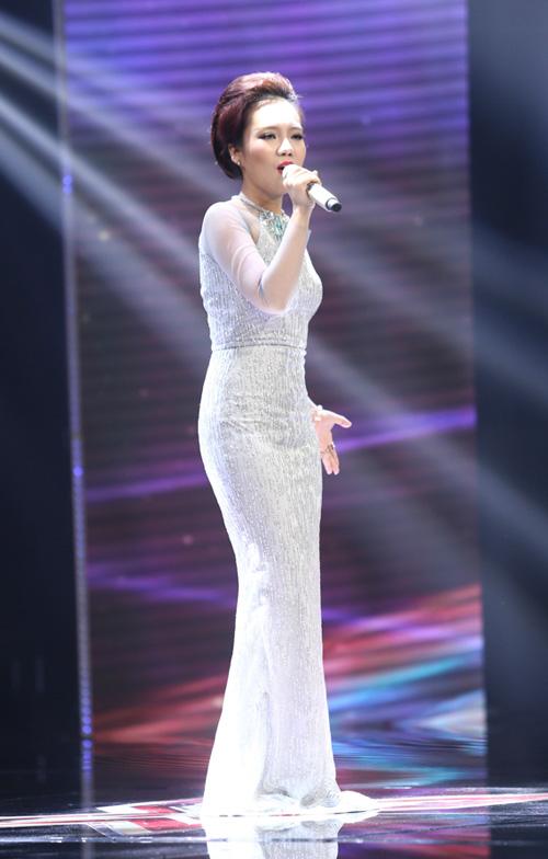 Giọng ca 16 tuổi khóc nức nở khi gặp lại mẹ tại X-Factor - 13
