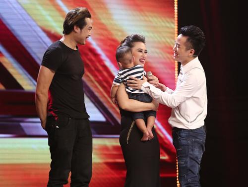 Giọng ca 16 tuổi khóc nức nở khi gặp lại mẹ tại X-Factor - 11