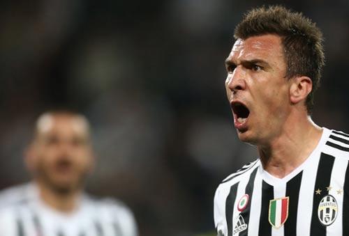 """Fiorentina - Juventus: Khoảnh khắc """"người nhện"""" - 1"""