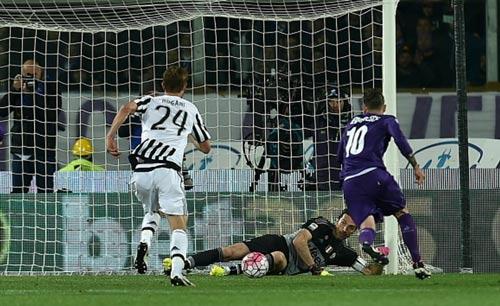 """Fiorentina - Juventus: Khoảnh khắc """"người nhện"""" - 2"""