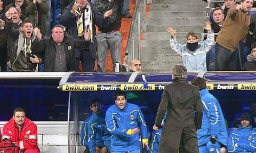 """""""Mưu hèn, kế bẩn"""" ở Liga: Simeone & các trò lố của HLV - 3"""