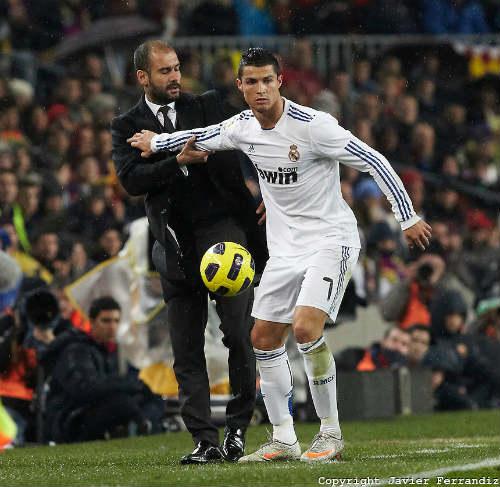 """""""Mưu hèn, kế bẩn"""" ở Liga: Simeone & các trò lố của HLV - 4"""
