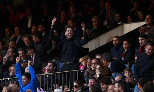 """""""Mưu hèn, kế bẩn"""" ở Liga: Simeone & các trò lố của HLV - 5"""