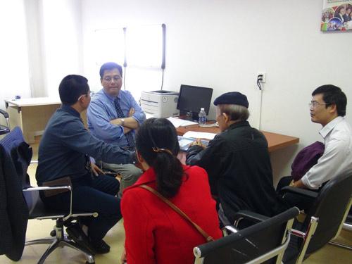 Chuyên gia ung bướu hàng đầu Mỹ thăm khám tại Vinmec - 2
