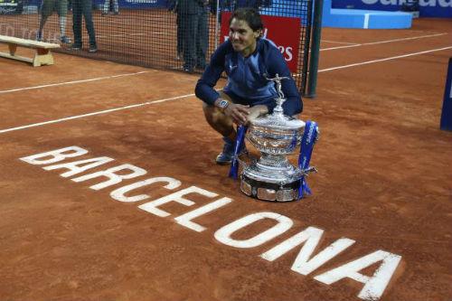 "Tennis 24/7: Federer nhắc Nole dè chừng Nadal ""hồi sinh"" - 1"