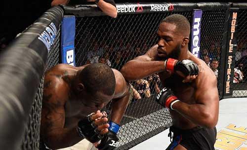 """UFC: """"Quái vật"""" số 1 trở lại, vẫn đầy lợi hại - 1"""
