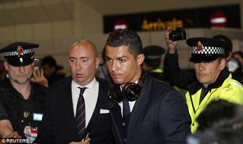 Ronaldo: Hạ Man City và chinh phục các kỷ lục - 7