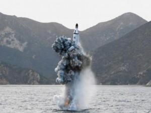Triều Tiên tiến bộ ngạc nhiên về tên lửa đạn đạo tàu ngầm