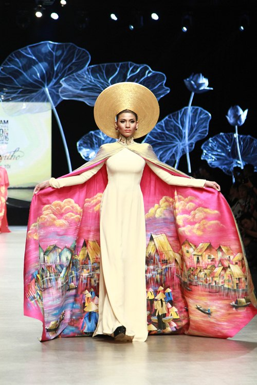 Trương Thị May diện áo dài lộng lẫy làm vedette - 5