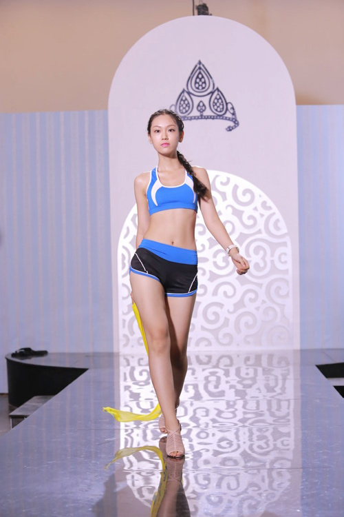 Nguyễn Thị Loan hé lộ cách tháo khăn khi diễn bikini - 7