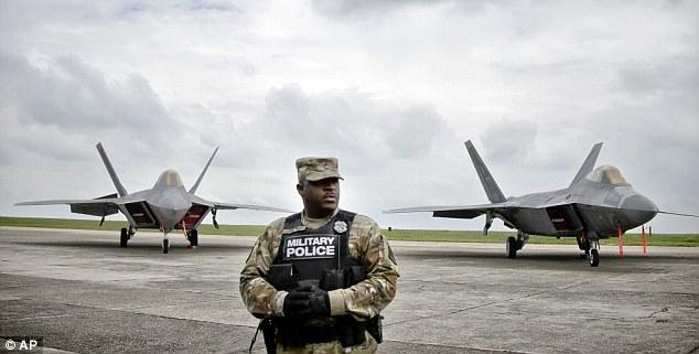 """Mỹ điều chiến đấu cơ F-22 tới Romania để """"dọa"""" Nga - 1"""