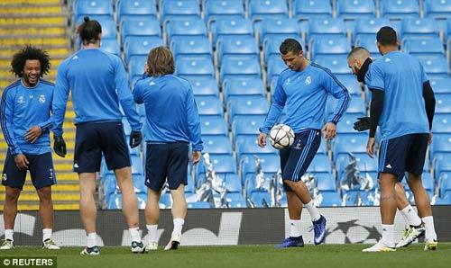 Ronaldo: Hạ Man City và chinh phục các kỷ lục - 3