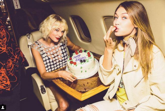 Gigi Hadid đón sinh nhật trên phi cơ của Taylor Swift - 1