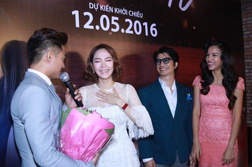 Minh Hằng, Quý Bình ôm hôn trong rạp phim - 1