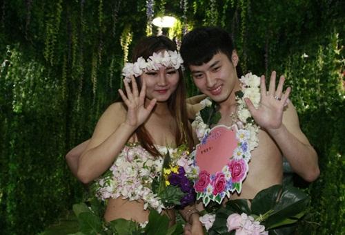 Đám cưới gây sốc kiểu nguyên thủy của dâu rể Trung Quốc - 7