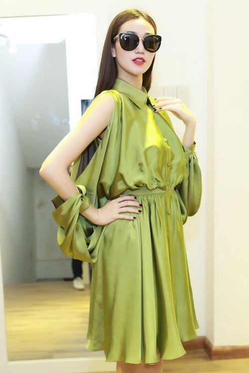 Khánh My xinh tươi đến thử đồ show diễn Lê Thanh Hòa - 3