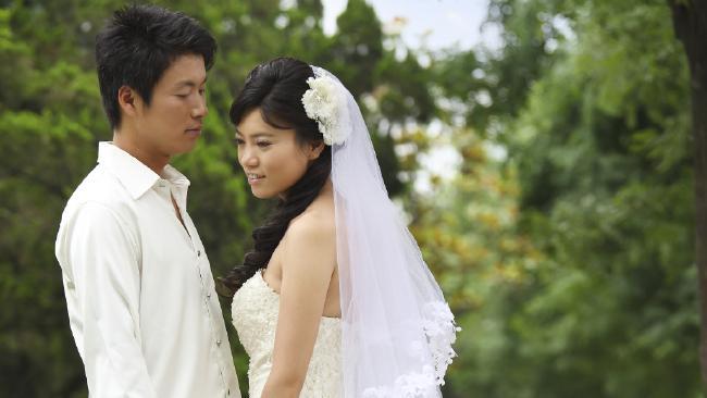 14 triệu phụ nữ Trung Quốc lấy phải chồng gay - 1