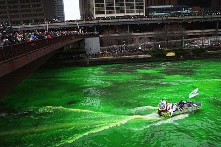 Người Pháp tự nhuộm hàng loạt sông thành màu xanh lè - 4