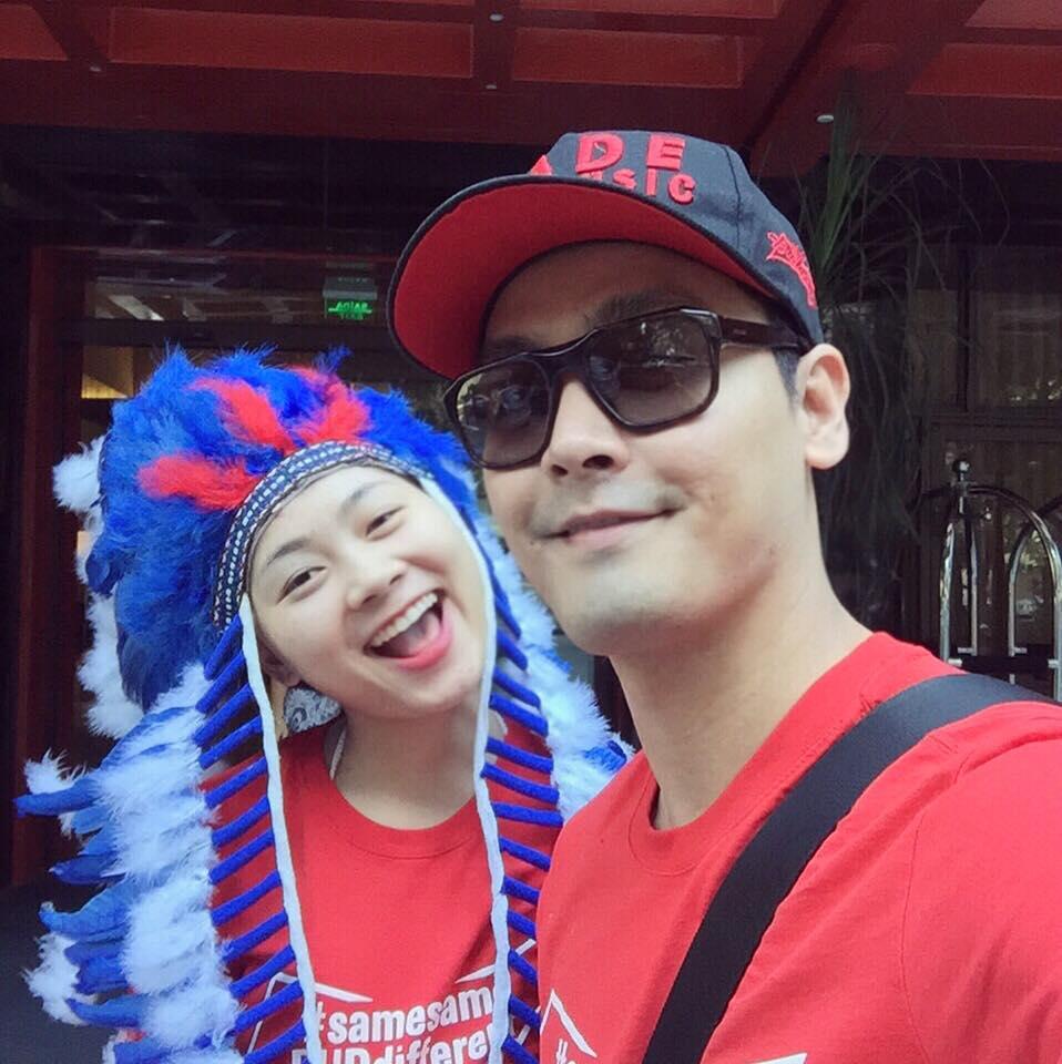 MC Phan Anh hãnh diện giơ cao quốc kỳ tại Brazil - 8