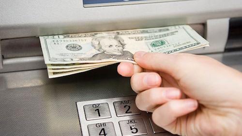 Vì sao hacker rút được tiền từ máy ATM mà không cần thẻ? - 2