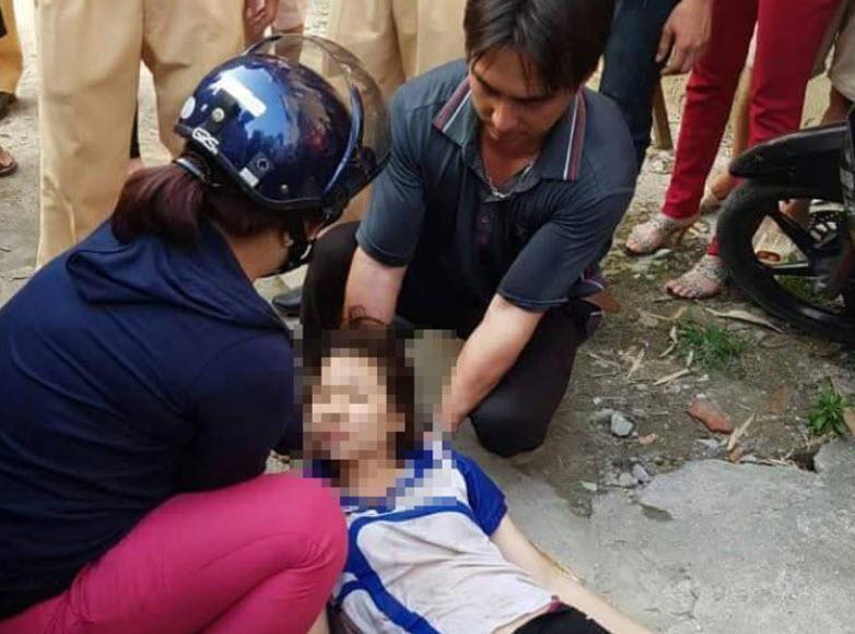 CSGT lái cano cứu thiếu nữ nhảy cầu Chương Dương tự tử - 1