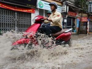 Tin tức trong ngày - Mưa lớn trong 2 giờ, Hà Nội sẽ có 16 điểm ngập sâu