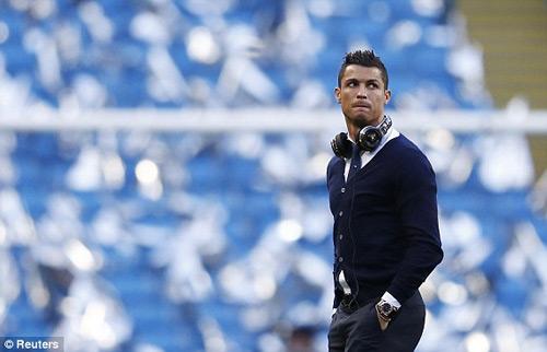 Chùm ảnh: Ronaldo sầu não và u ám ở Etihad - 5
