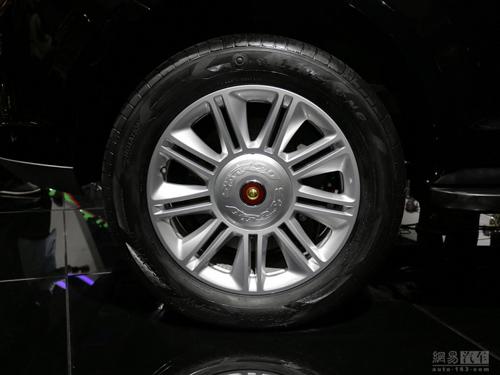 "Hồng Kỳ LS5: SUV ""rẻ tiền"" nhái xe sang Range Rover - 11"