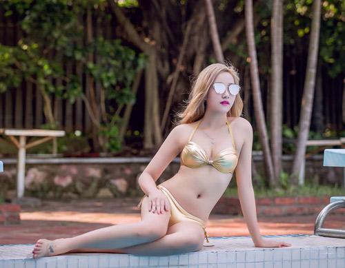 Thiếu nữ Hà thành mướt mát tạo dáng bên hồ bơi - 9